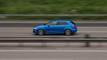 Velocidad de un vehículo en carretera