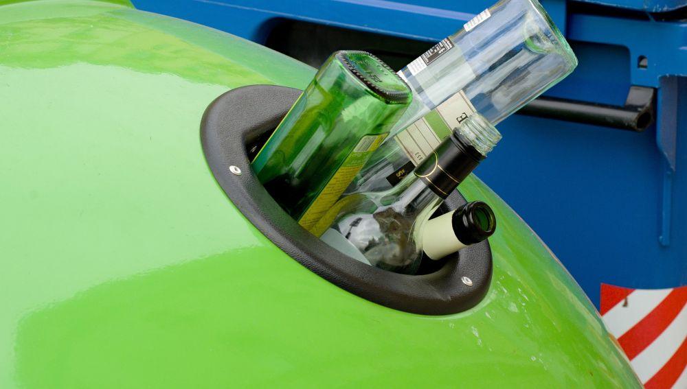 Imagen de archivo de un contenedor de vidrio.