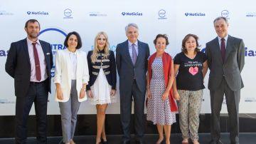 De izquierda a derecha, José Luis González Álvarez, Rebeca Palomo Díaz, Ángeles Carmona Vergara, Ignacio Garralda Ruiz de Velasco, Pilar Martín Nájera, Ana Bella Estévez y Silvio González Moreno