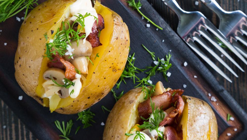 Come las patatas con piel
