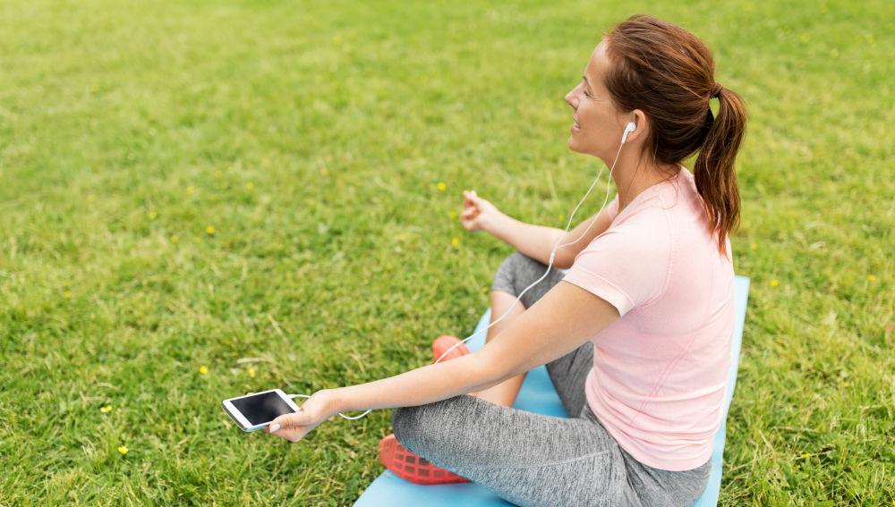 Aplicaciones que ayudan a meditar y relajarse te ayudarán a escapar del peso de la rutina