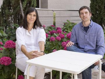 Maria Blasco, jefa del Grupo de Telómeros y Telomerasa del CNIO y directora del estudio, y Kurt Whittemore, primer firmante