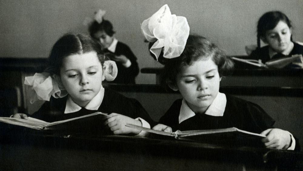 La lectura en papel favorece la compresión lectora por encima de la de soporte digital, según un estudio.