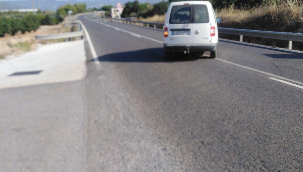 Salida a la C-422 extremadamente peligrosa, carretera de Constanti, dirección  a La Selva del Camp.