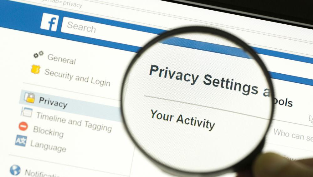 Facebook permitirá a sus usuarios revisar que información suya comparten algunas webs.
