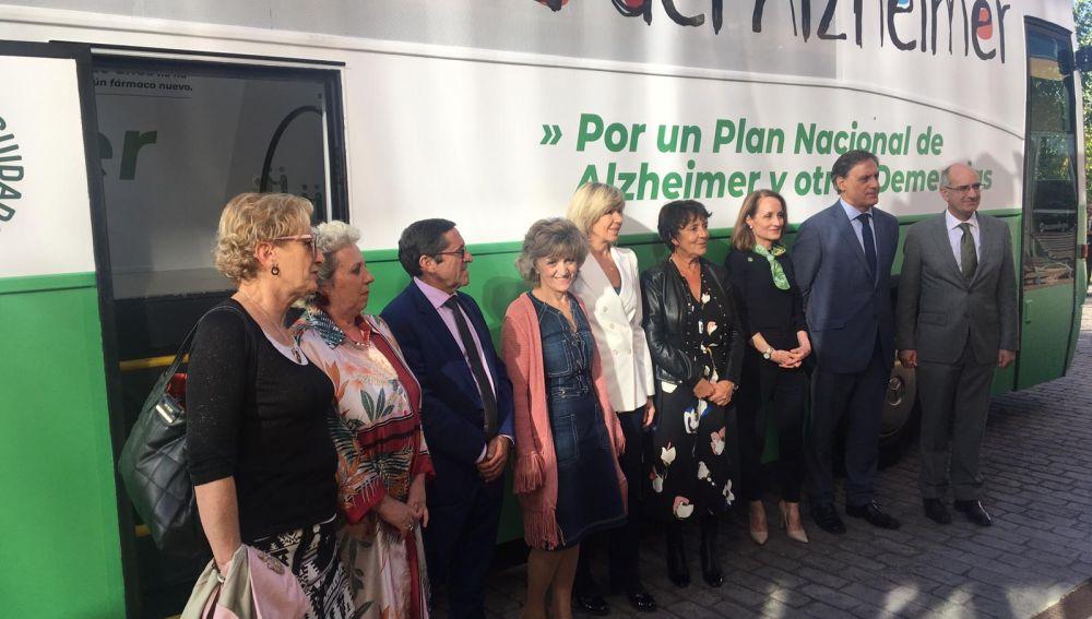 Autobuses de Ceafa recorrerán España para mostrar 'La nueva cara del alzheimer'