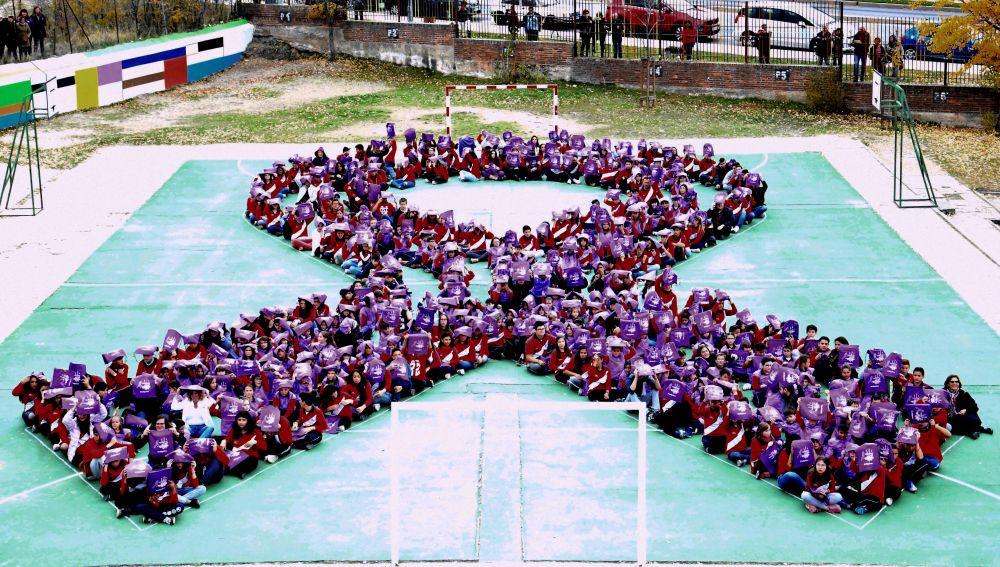 Lazo morado contra la violencia de género