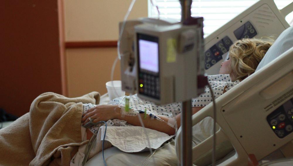 Persona ingresada en un hospital