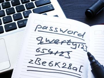 Las contraseñas débiles son fáciles de descifrar para los hackers.