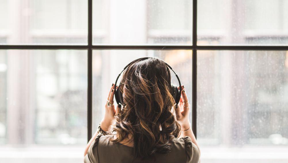 Esuchar música