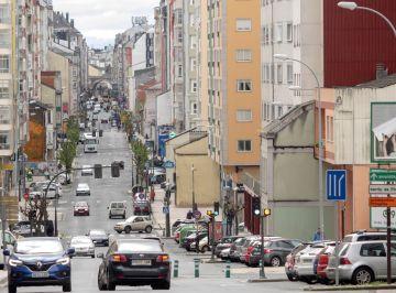 Una calle ve incrementado el tráfico de vehículos