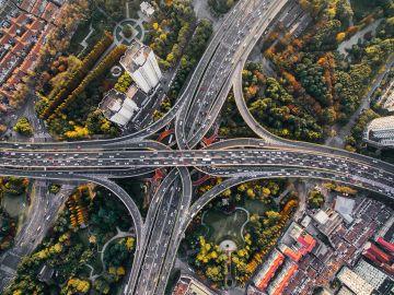 Fotografía aérea de una carretera
