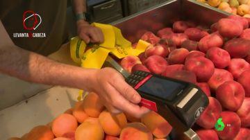 El 32 % de los españoles paga con su teléfono móvil