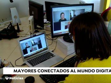 Mayores conectaods