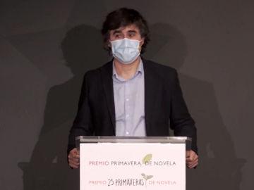 Pedro Simón gana el Premio Primavera de Novela 2021