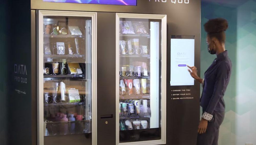 Máquina 'vending' donde se paga con datos personales.