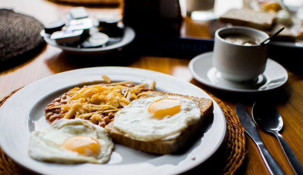 Desayuno rico en proteínas