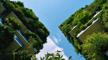 'Bosque Vertical' muestra dos jardines verticales ubicados en Roma