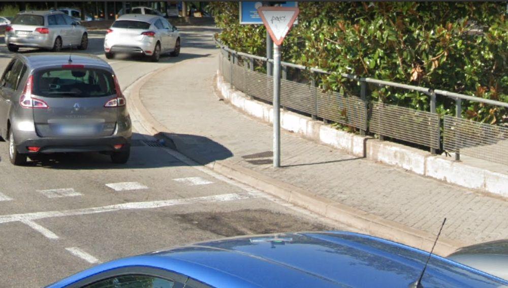 Carretera de Barcelona rota y deformada