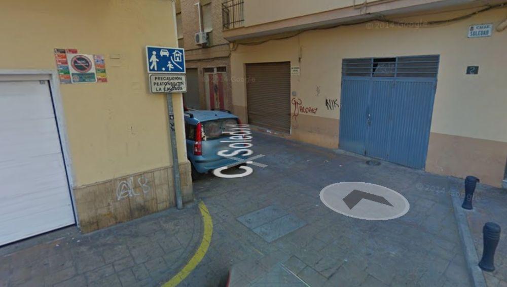 Calle peatonal de Almería peligrosa