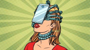 Mujer enganchada al smartphone
