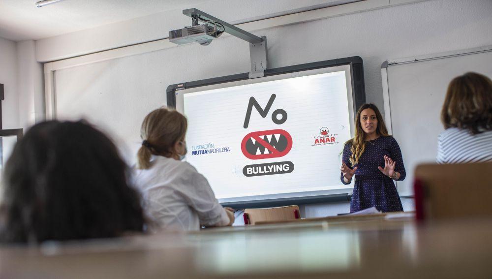 ae el acoso escolar, pero se mantiene el ciberbullying durante la pandemia