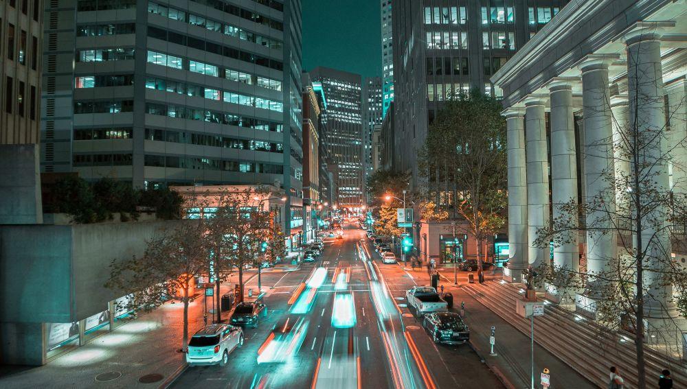 El uso excesivo de los coches en la ciudad tiene consecuencias negativas
