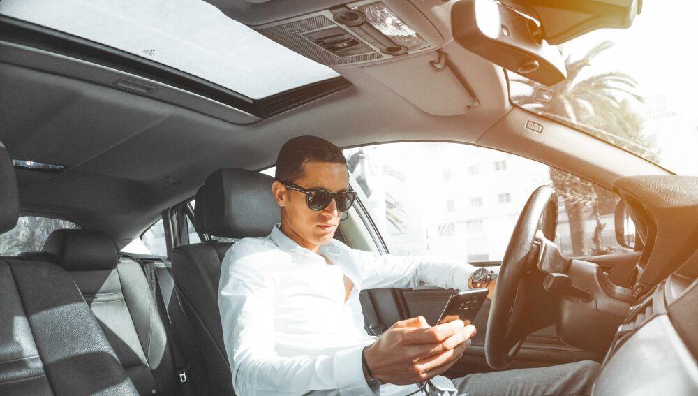 El móvil, distracción al volante