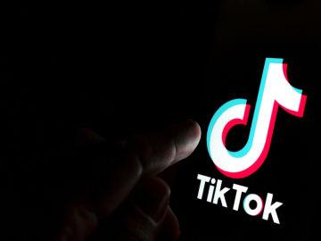 Campaña de Fundación ANAR y la red social TikTok.